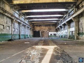 Spatiu industrial de vanzare, zona Est, 1000 mp