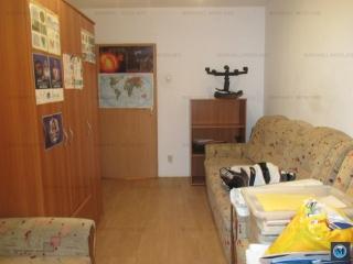 Apartament 4 camere de vanzare, zona Malu Rosu, 79.09 mp