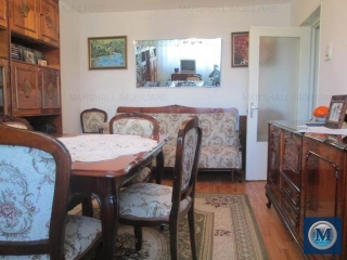 Apartament 4 camere de vanzare, zona Malu Rosu, 77.76 mp
