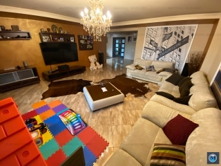 Vila cu 5 camere de inchiriat, zona Exterior Vest, 420 mp