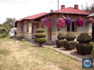 Casa cu 4 camere de vanzare, zona Marasesti, 66.6 mp