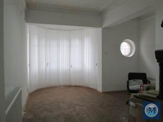 Vila cu 12 camere de vanzare, zona Central, 283 mp