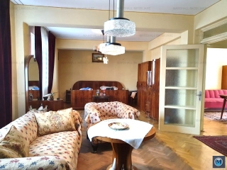 Apartament 3 camere de vanzare, zona Ultracentral, 79.60 mp
