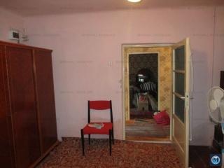 Casa cu 4 camere de vanzare, zona Mihai Bravu, 136 mp