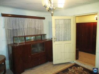 Casa cu 4 camere de vanzare, zona Republicii, 79.60 mp