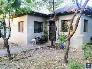 Casa cu 3 camere de vanzare in Stoenesti, 65 mp