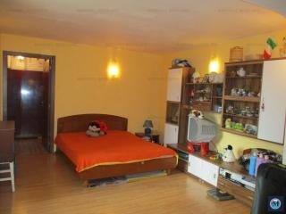 Casa cu 3 camere de vanzare, zona Lupeni, 100 mp