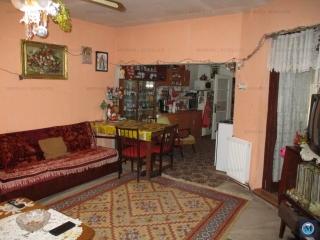 Vila cu 4 camere de vanzare, zona Transilvaniei, 100 mp