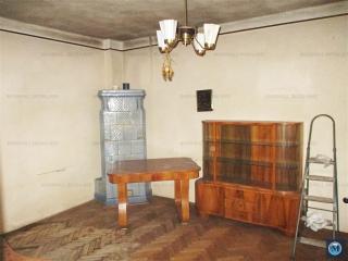 Casa cu 4 camere de vanzare, zona Lupeni, 90 mp
