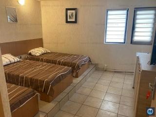 Vila cu 8 camere de inchiriat, zona Exterior Vest