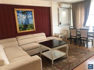 Apartament 3 camere de vanzare, zona Albert, 77 mp