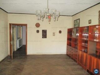 Casa cu 5 camere de vanzare, zona Central, 105 mp