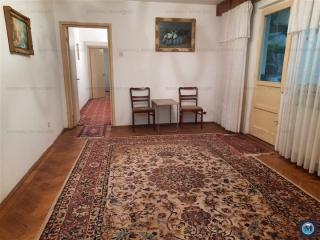 Apartament 3 camere de vanzare, zona Vest, 66.70 mp