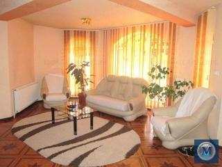Casa cu 7 camere de vanzare in Baicoi, zona Central, 187.25 mp
