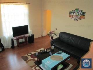 Casa cu 6 camere de vanzare, zona Central, 163.48 mp