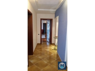 Apartament 3 camere de vanzare, zona Central, 82.32 mp