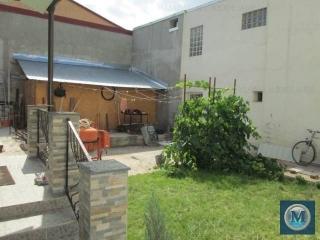 Vila cu 2 camere de vanzare, zona Central, 72.93 mp