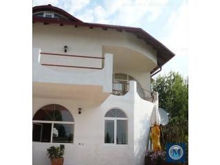 Casa cu 5 camere de vanzare, zona Nord, 360 mp