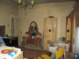 Apartament 3 camere de vanzare, zona Sud, 94.01 mp