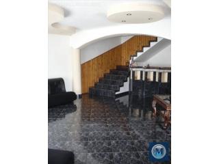 Vila cu 12 camere de vanzare, zona Albert, 447.49 mp
