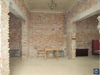 Casa cu 7 camere de vanzare, zona Central, 199 mp