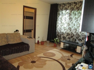 Apartament 3 camere de vanzare, zona Malu Rosu, 51 mp