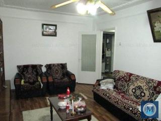Apartament 3 camere de vanzare, zona Malu Rosu, 68 mp