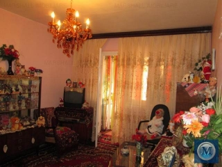 Apartament 3 camere de vanzare, zona Malu Rosu, 60 mp