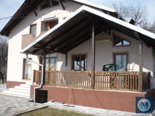Vila cu 7 camere de inchiriat in Cocosesti, 225 mp