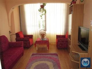 Apartament 3 camere de vanzare, zona Malu Rosu, 77 mp