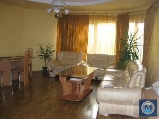 Vila cu 5 camere de vanzare, zona Marasesti, 200 mp