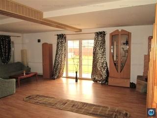 Casa cu 4 camere de inchiriat in Strejnicu, 140 mp
