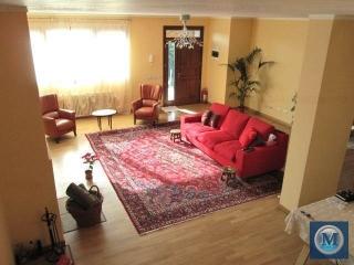 Vila cu 5 camere de vanzare, zona Marasesti, 345.38 mp
