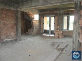 Vila cu 6 camere de vanzare in Bucov, 270 mp
