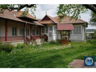 Casa cu 5 camere de vanzare in Valenii de Munte, zona Exterior Nord, 250 mp