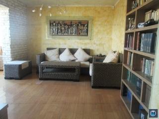 Apartament 4 camere de vanzare, zona Baraolt, 80 mp