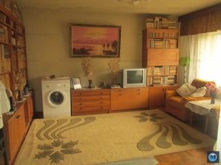 Apartament 4 camere de vanzare, zona Democratiei, 91.8 mp
