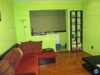 Apartament 4 camere de vanzare, zona Nord, 90 mp