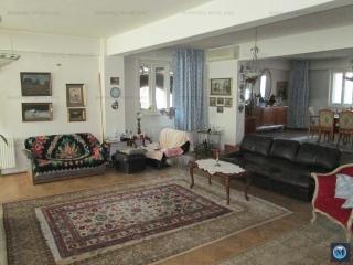 Vila cu 10 camere de vanzare, zona B-dul Bucuresti, 484.53 mp