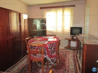 Apartament 4 camere de vanzare, zona Baraolt, 47.94 mp