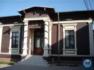Casa cu 10 camere de vanzare, zona Democratiei, 370 mp