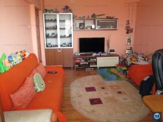 Apartament 3 camere de vanzare, zona Republicii, 71.71 mp