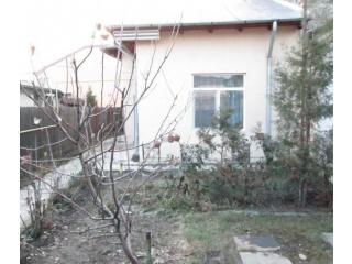 Casa cu 3 camere de vanzare, zona Central, 69 mp