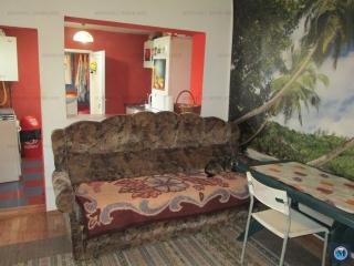 Casa cu 2 camere de vanzare, zona Lupeni, 58 mp
