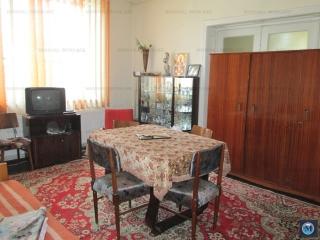 Casa cu 7 camere de vanzare, zona Cioceanu, 206.53 mp