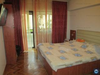 Apartament 3 camere de vanzare, zona Ultracentral, 64.86 mp