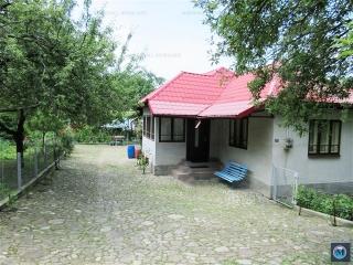 Casa cu 4 camere de vanzare in Provita de Sus