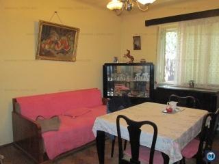 Casa cu 2 camere de vanzare, zona Central, 95 mp