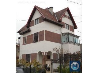 Vila cu 12 camere de vanzare, zona Central, 263.32 mp