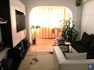 Apartament 3 camere de vanzare, zona Vest, 72 mp